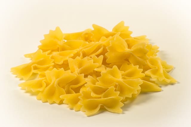 Nov 07,  · Plain noodles can be frozen after being completely or partially cooked, and prepared pasta dishes can also be frozen. If you want to freeze pasta that has already been cooked, allow it to cool before placing it into a freezer bag or plastic container — either will work equally well.