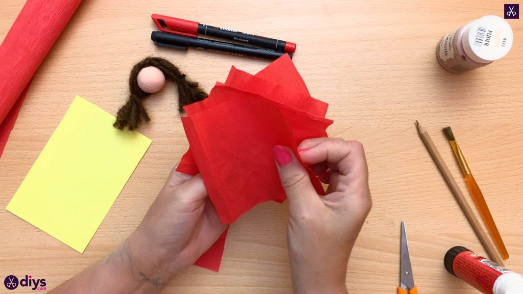 Diy pencil puppet red