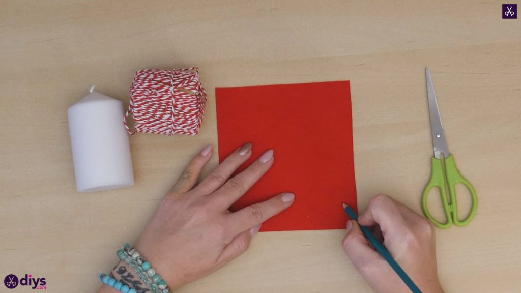 Diy valentine's candle red paper