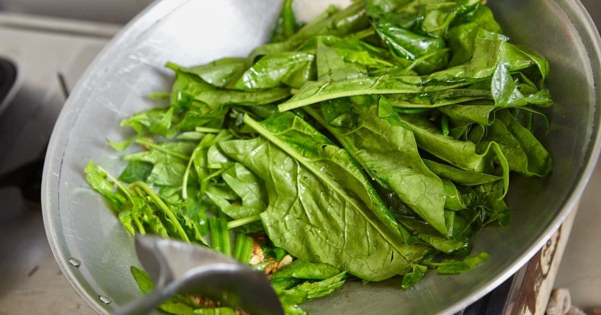 Sauteed your spinach leaves to make a healthy side dishes