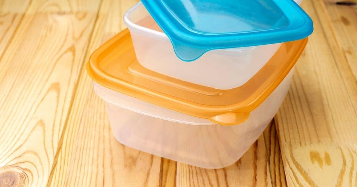 Tupperware plastic bowls
